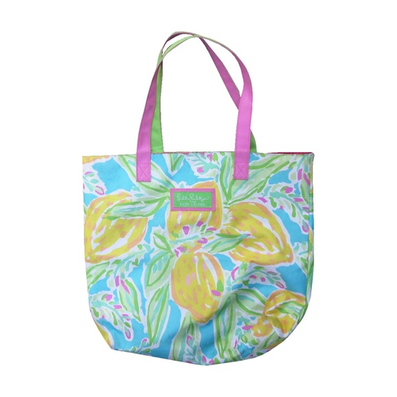 Lilly Pulitzer Handbags - Lilly Pulitzer │for Estee Lauder Bag Floral